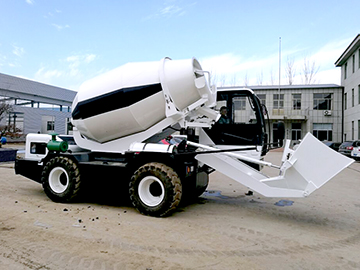 3.5 cubic meter self-loading mixer